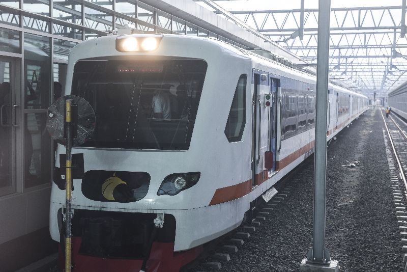 https: img.okeinfo.net content 2018 02 27 320 1865419 uji-coba-kereta-bandara-minangkabau-gagal-gara-gara-tersangkut-peron-qA56GvR2sv.jpg