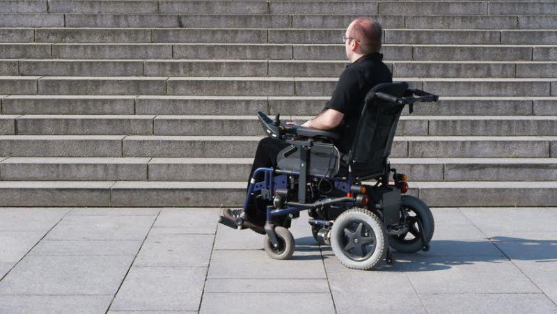 https: img.okeinfo.net content 2018 02 27 56 1865612 abad-ke-17-kursi-roda-banyak-digunakan-oleh-orang-kaya-7oFkwWHv2n.jpg
