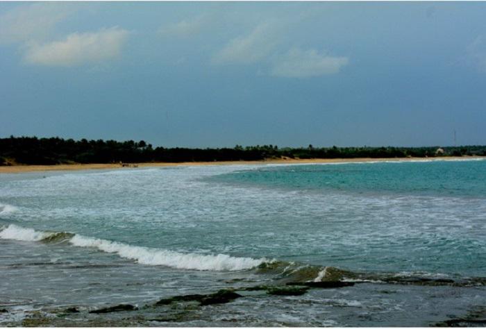 https: img.okeinfo.net content 2018 03 02 406 1867208 indahnya-pantai-binuangeun-yang-punya-pelelangan-ikan-terbesar-di-lebak-banten-Vhfe9LZa8P.jpg