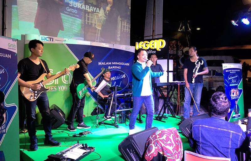 https: img.okeinfo.net content 2018 03 04 598 1867741 nostalgia-ihsan-tarore-nyanyikan-lagu-indonesian-idol-di-meet-greet-yogyakarta-iAdgHSivl2.jpg