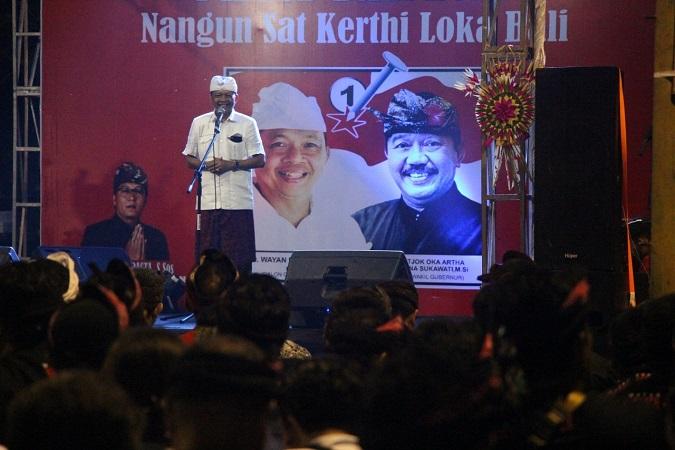 https: img.okeinfo.net content 2018 03 05 340 1868354 warga-denpasar-curhat-sulit-dapat-akses-ke-pantai-untuk-upacara-ke-wayan-koster-uU7SLHsJfo.jpg