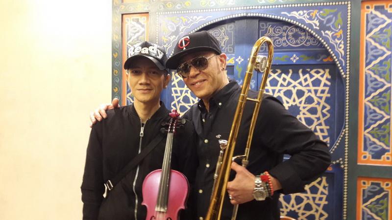 https: img.okeinfo.net content 2018 03 06 205 1868860 pemain-trombone-dunia-anthony-tc-vrolijk-tampil-di-jakarta-Y3u8kJydUQ.jpg