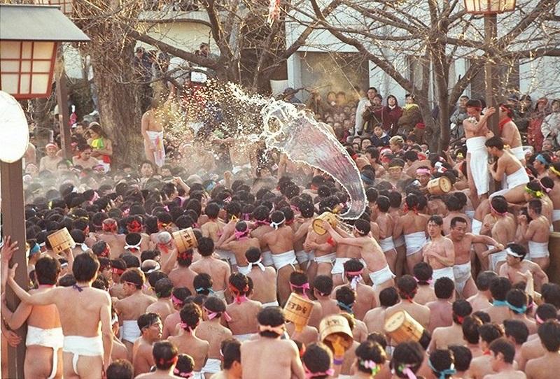 Festival telanjang Hadaka Matsuri di Jepang (Foto: Japanzine)