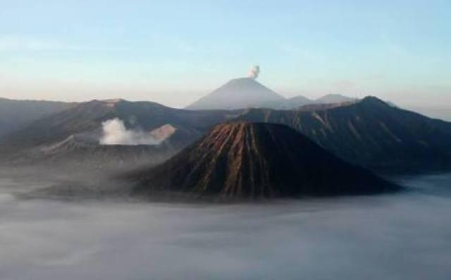 https: img.okeinfo.net content 2018 03 09 519 1870324 akses-wisata-gunung-bromo-tutup-total-saat-hari-raya-nyepi-psvxULBrog.jpg