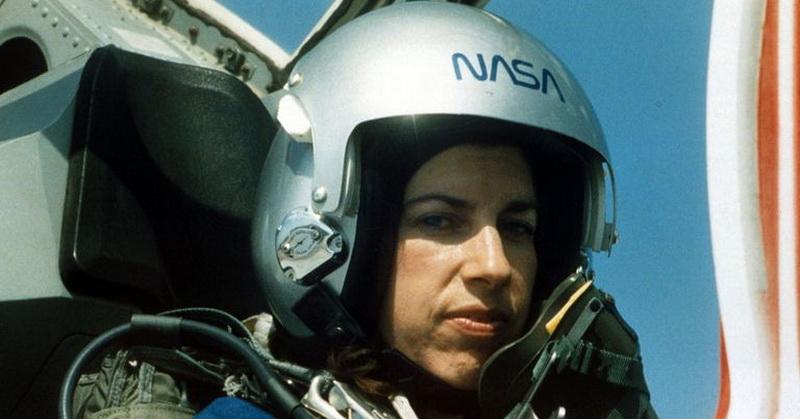 https: img.okeinfo.net content 2018 03 09 56 1869999 helen-ochoa-astronot-perempuan-nasa-hampir-1-000-jam-di-luar-angkasa-wHnbrKku60.jpg