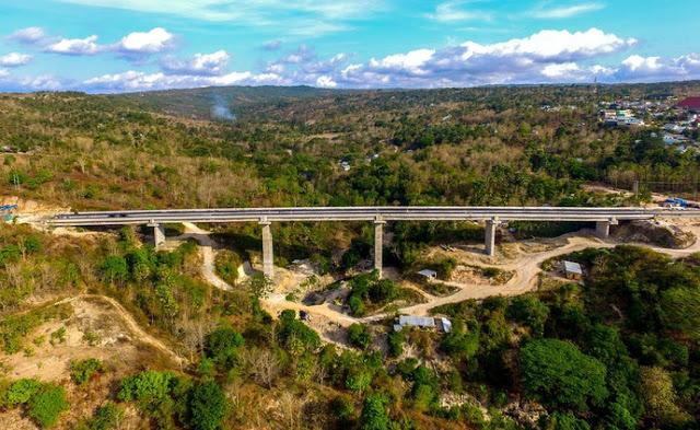 https: img.okeinfo.net content 2018 03 12 406 1871175 jembatan-petuk-kupang-menyimpan-pemandangan-alam-menakjubkan-VYrvfnZ7zk.jpeg