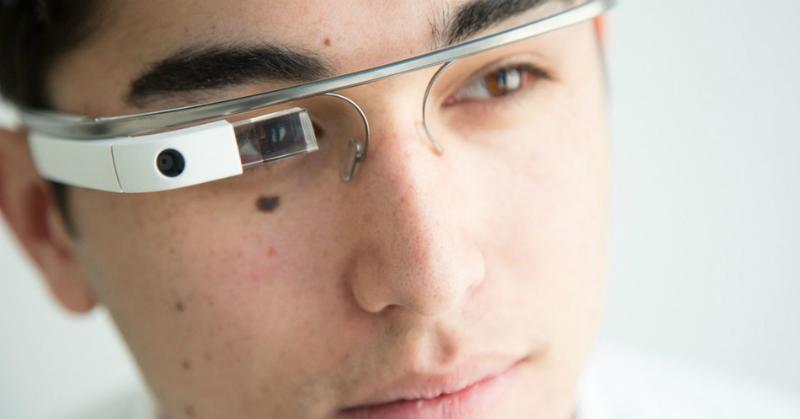 https: img.okeinfo.net content 2018 03 12 57 1871671 polisi-china-pakai-kacamata-ai-dengan-teknologi-pengenal-wajah-ju6ycKdcMl.jpg