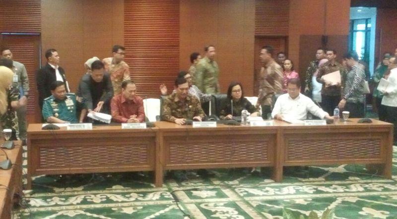 https: img.okeinfo.net content 2018 03 13 20 1872204 keuntungan-pertemuan-tahunan-imf-world-bank-di-bali-bagi-indonesia-Rc8rmvyV0R.jpg