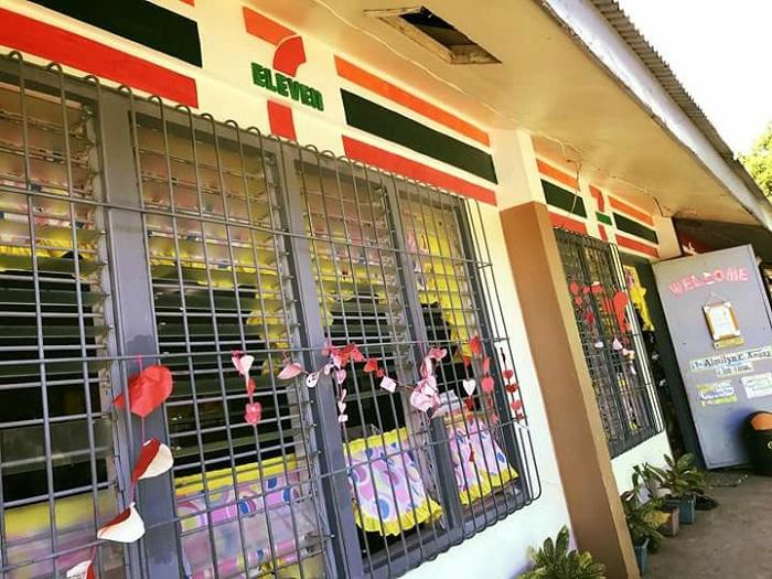 https: img.okeinfo.net content 2018 03 13 298 1871882 sekolah-dasar-di-filipina-dicat-mirip-restoran-cepat-saji-jadi-viral-seperti-apa-0ZSoBIPhFA.jpg