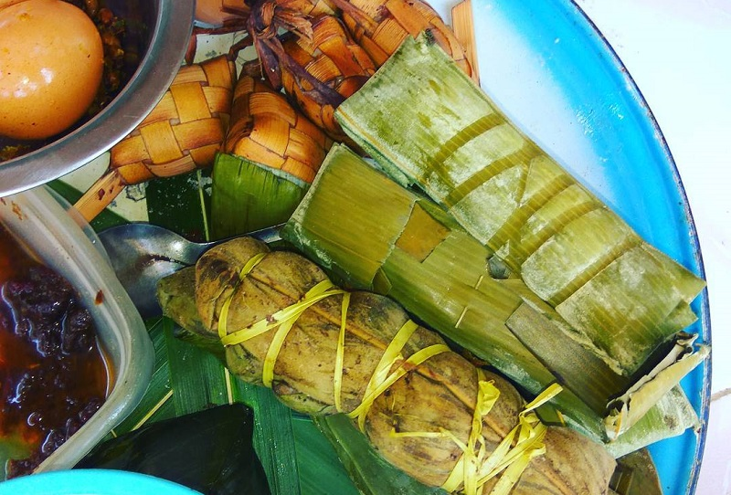 https: img.okeinfo.net content 2018 03 14 298 1872877 resep-memasak-entil-ketupat-khas-tabanan-yang-super-gurih-wDMZyDcUut.jpg