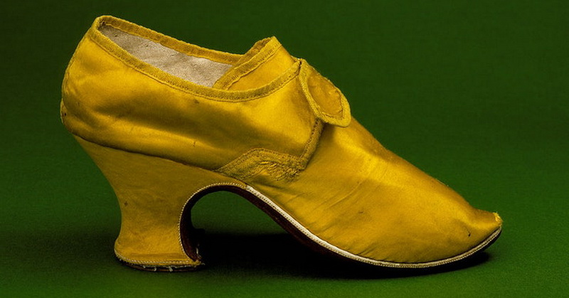 https: img.okeinfo.net content 2018 03 14 56 1872588 sejarah-sepatu-hak-tinggi-sejak-zaman-yunani-kuno-2qjDQPLn5o.jpg