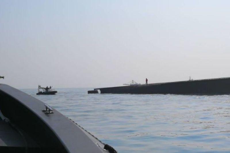 https: img.okeinfo.net content 2018 03 21 18 1876014 kapal-keruk-terbalik-di-malaysia-11-kru-hilang-termasuk-wni-kYEdJBPSwq.jpg
