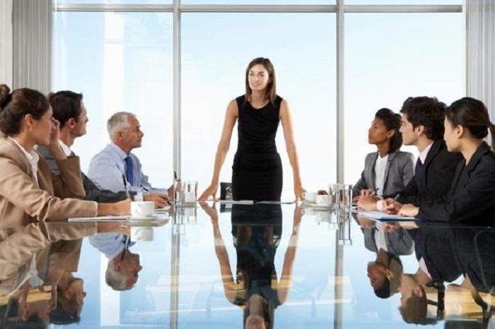 https: img.okeinfo.net content 2018 03 23 196 1877189 jangan-salah-ini-keuntungan-perempuan-berkarir-di-perusahaan-SUvj1BHJVE.jpg