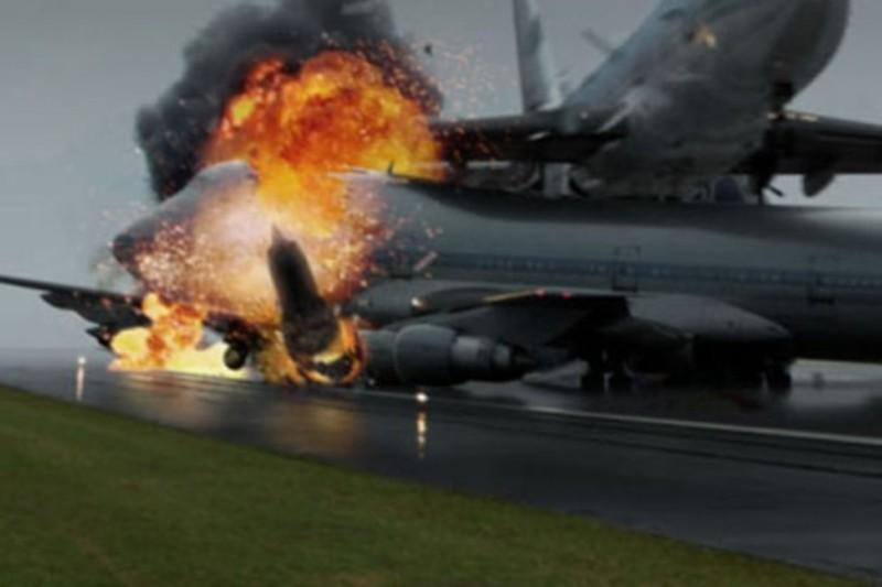 https: img.okeinfo.net content 2018 03 26 18 1878267 tabrakan-2-pesawat-di-landasan-pacu-sebabkan-528-orang-tewas-ipzYXGkXHD.jpg