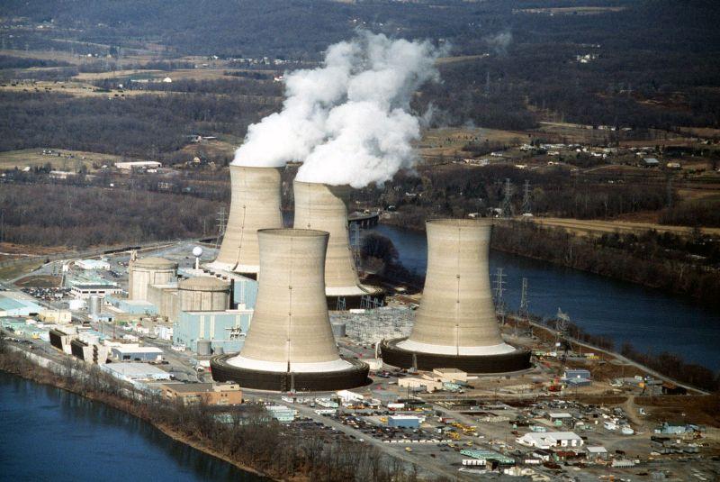 https: img.okeinfo.net content 2018 03 27 18 1878769 reaktor-nuklir-as-bocorkan-zat-radioaktif-akibat-kepanasan-WxgluN84L3.jpg
