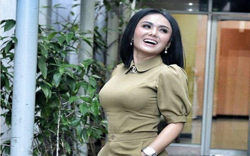 https: img.okeinfo.net content 2018 03 29 194 1879836 paras-5-pesinetron-indonesia-ini-awet-muda-meski-usia-tak-lagi-muda-GMKFEQ5XS8.jpg