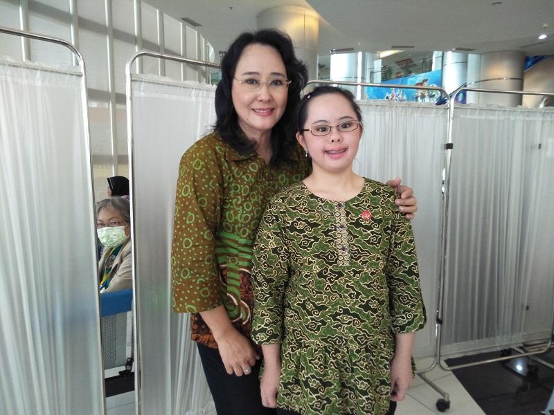 https: img.okeinfo.net content 2018 03 29 196 1879498 idap-down-syndrome-stephanie-handojo-harumkan-nama-indonesia-di-dunia-Dl3uXALTve.jpg