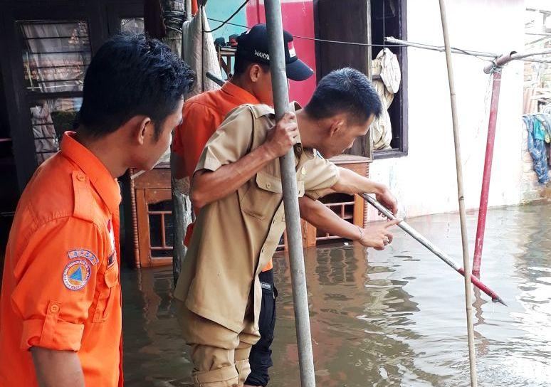 https: img.okeinfo.net content 2018 03 29 340 1879694 banjir-hingga-1-meter-kepung-kabupaten-oki-sumsel-nEGD5PEWjN.jpg