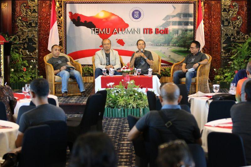 https: img.okeinfo.net content 2018 04 01 340 1880739 alumni-itb-bali-dukung-wayan-koster-jadi-gubernur-9oXMzWhfpD.jpg