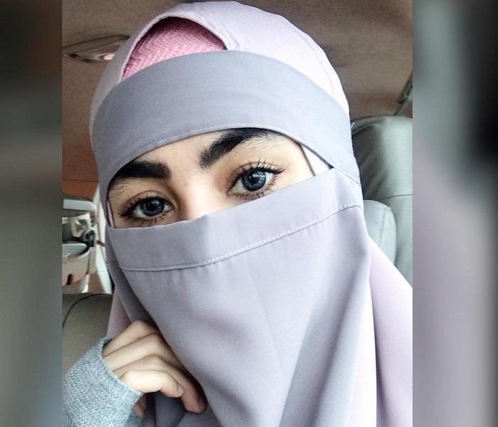 https: img.okeinfo.net content 2018 04 03 194 1881654 terkait-puisi-sukmawati-kartika-putri-ungkap-manfaat-bercadar-bagi-perempuan-muslim-yejaKFIRTZ.jpg