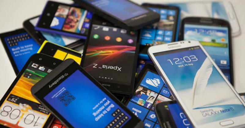 https: img.okeinfo.net content 2018 04 03 207 1881587 5-vendor-ponsel-dengan-penjualan-terbesar-sepanjang-2017-di-indonesia-OVX7fCEFFM.jpg