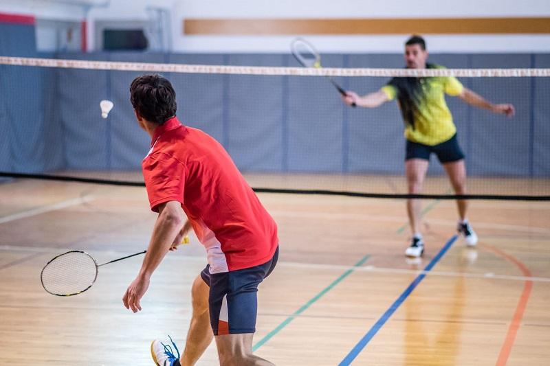 https: img.okeinfo.net content 2018 04 03 481 1881442 olahraga-badminton-dapat-menurunkan-tekanan-darah-tanpa-obat-lz5wREseUX.jpg