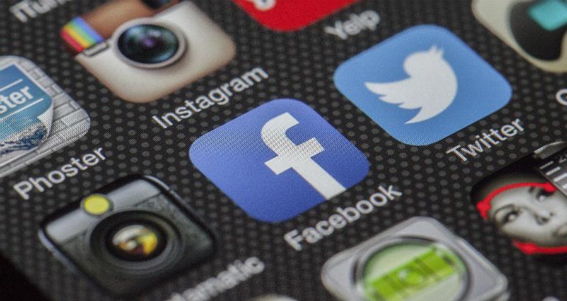 https: img.okeinfo.net content 2018 04 09 207 1884210 lagi-facebook-tutup-aplikasi-yang-mengoleksi-data-pribadi-pengguna-z0ShUNbjYe.jpg