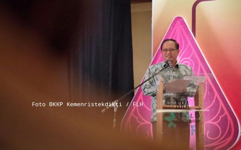 https: img.okeinfo.net content 2018 04 11 65 1885240 salip-singapura-publikasi-ilmiah-indonesia-peringkat-2-asean-wdnjRVgZ4t.jpg