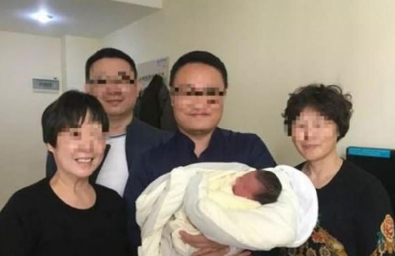https: img.okeinfo.net content 2018 04 12 18 1885582 bayi-di-china-lahir-4-tahun-setelah-orangtuanya-meninggal-20MfyTj4ds.jpg