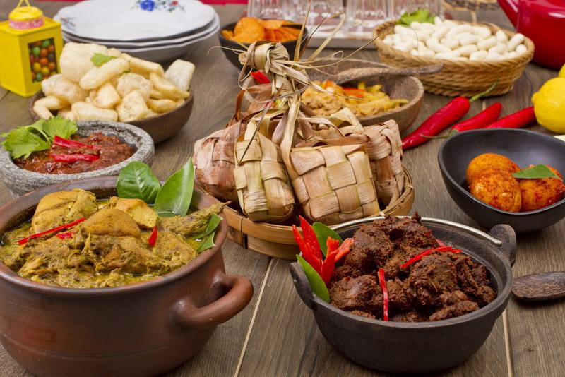 https: img.okeinfo.net content 2018 04 12 406 1885683 kuliner-nusantara-diyakini-mampu-tarik-wisman-ke-indonesia-3XtFr84AW6.jpg