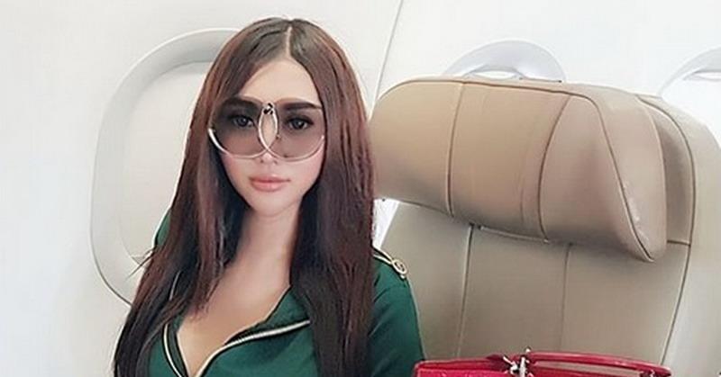 https: img.okeinfo.net content 2018 04 13 33 1886025 lucinta-luna-pakai-mukena-netizen-pria-soleha-BuIVkGlRSJ.JPG