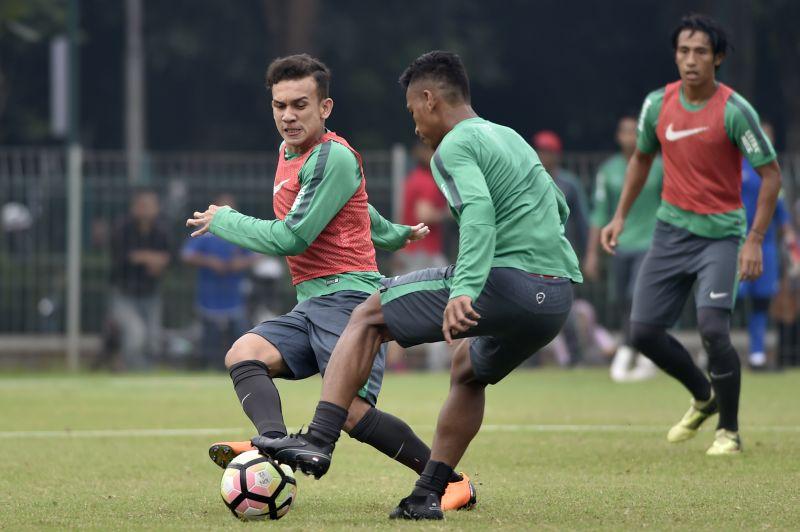 https: img.okeinfo.net content 2018 04 14 51 1886763 pelatihan-sepakbola-berbasis-web-cocok-untuk-pembinaan-usia-muda-xFgrQbokYp.jpg