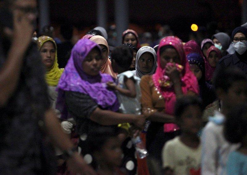 https: img.okeinfo.net content 2018 04 15 18 1886856 perempuan-rohingya-sengaja-dijadikan-korban-kekerasan-seksual-tentara-myanmar-3tcHuibc2J.JPG
