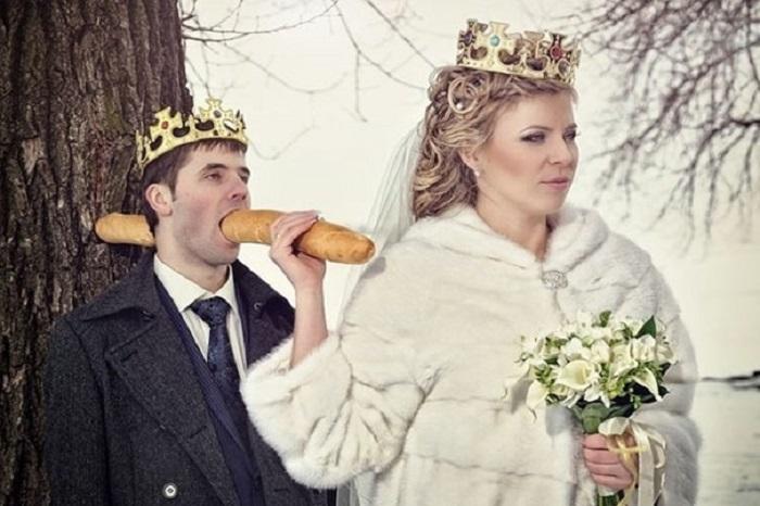 https: img.okeinfo.net content 2018 04 16 196 1887098 unik-6-foto-pernikahan-di-rusia-ini-bikin-geleng-geleng-pVrAleMOUo.jpg