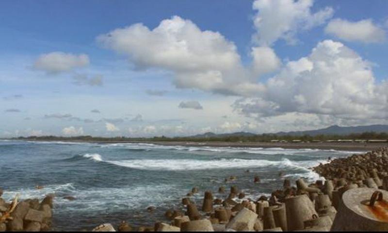 https: img.okeinfo.net content 2018 04 16 406 1887101 pemberlakuan-satu-akses-masuk-jumlah-wisatawan-pantai-glagah-meningkat-pFyabrCzQY.JPG