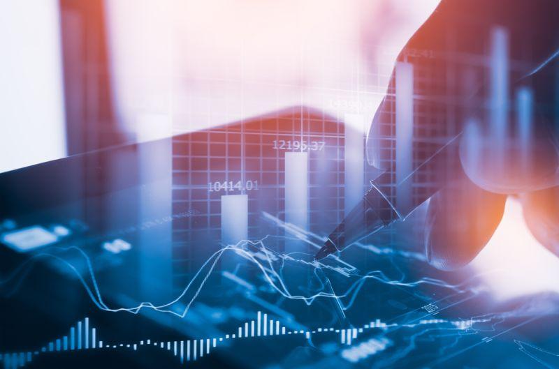 https: img.okeinfo.net content 2018 04 17 320 1887771 investor-pasar-modal-sumbar-tiap-tahun-naik-transaksi-tembus-rp10-27-triliun-GEJVi0TqN9.jpg