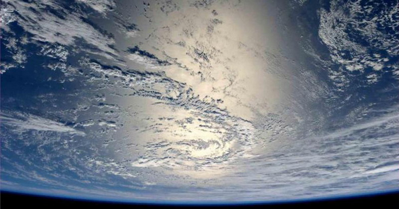 https: img.okeinfo.net content 2018 04 17 56 1887808 ini-kondisi-kehidupan-di-bumi-bila-tanpa-gravitasi-3Y2ywxzpYL.jpg