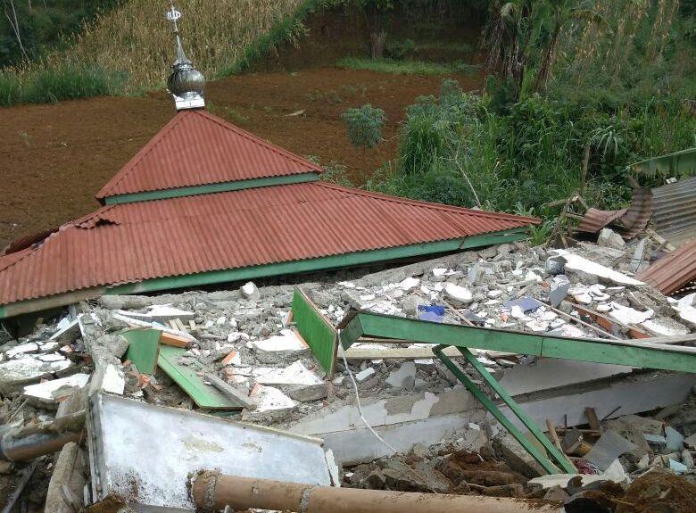 https: img.okeinfo.net content 2018 04 19 512 1888601 gempa-banjarnegara-3-masjid-dan-ratusan-rumah-rusak-4J3fNWORcE.jpg