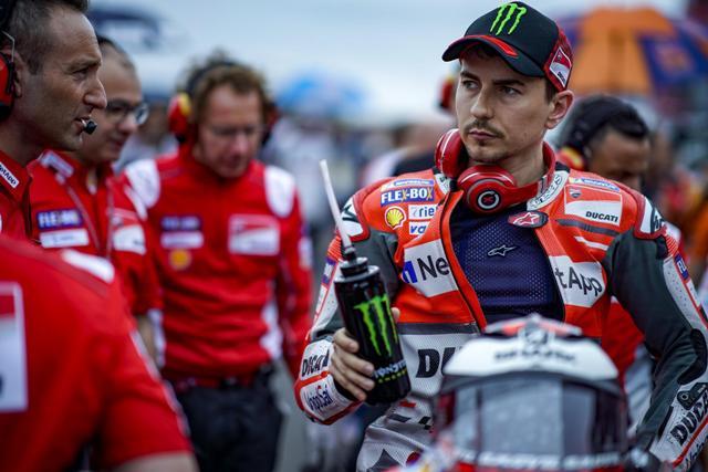 Lorenzo Enggan Pikirkan Masa Depan di Ducati
