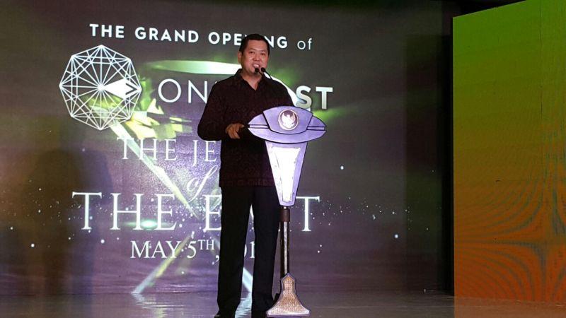 https: img.okeinfo.net content 2018 05 06 470 1895002 hary-tanoe-resmikan-one-east-residence-di-surabaya-3gtBP137hJ.jpg