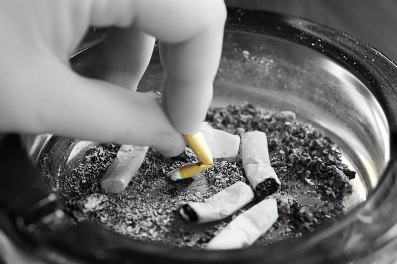 https: img.okeinfo.net content 2018 05 07 481 1895353 perokok-pemula-usianya-makin-muda-target-pemerintah-turunkan-prevelensi-merokok-sulit-tercapai-a2AtOZIPcT.jpg