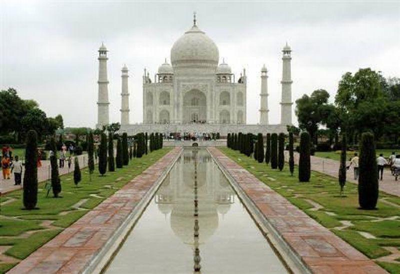 https: img.okeinfo.net content 2018 05 09 406 1896400 5-destinasi-wisata-terpopuler-di-india-kuil-emas-hingga-danau-berlatar-himalaya-BC11r3rhov.jpg