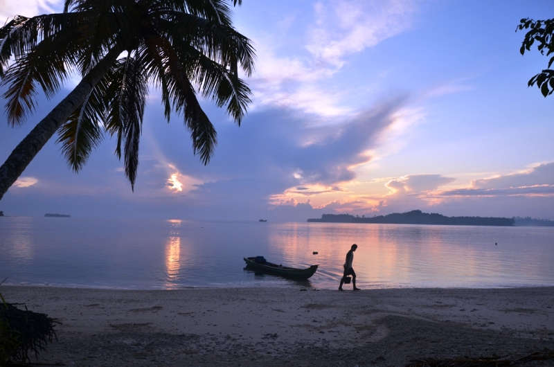 https: img.okeinfo.net content 2018 05 11 406 1896857 flores-timur-surganya-pencari-virgin-beach-jl5s9urpQg.jpg