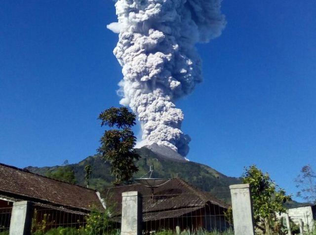 https: img.okeinfo.net content 2018 05 11 525 1897212 penjelasan-pvmbg-terkait-erupsi-dan-status-normal-gunung-merapi-jCnliKgR37.jpg