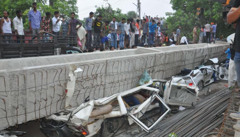 https: img.okeinfo.net content 2018 05 16 18 1898964 jembatan-layang-di-india-ambruk-tewaskan-sedikitnya-15-orang-6LJjpDaTpJ.jpg
