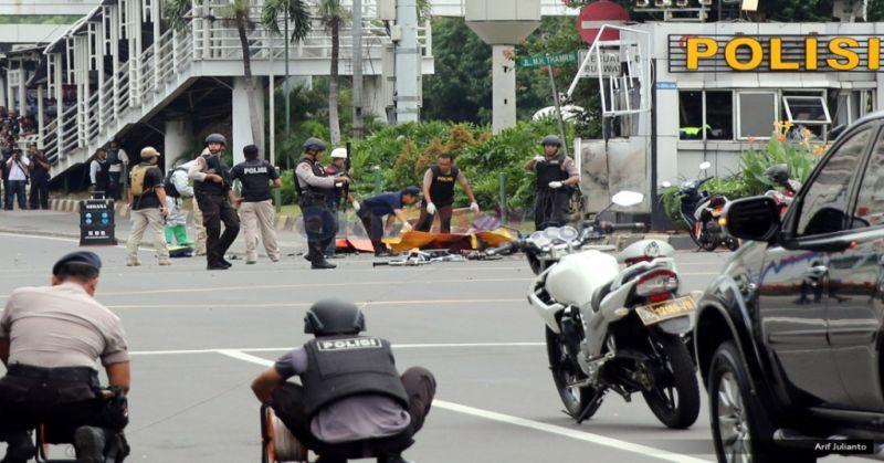 https: img.okeinfo.net content 2018 05 16 406 1898971 dampak-teror-bom-sudah-13-negara-keluarkan-travel-advice-ke-indonesia-znwdiKSjZX.jpg