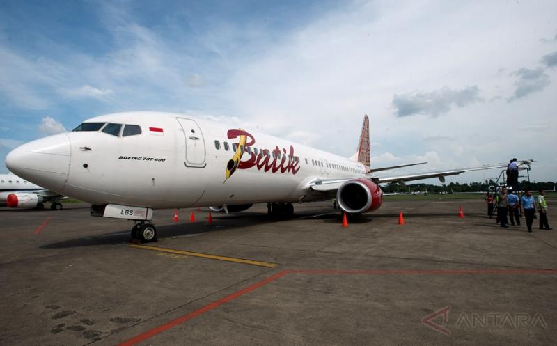 https: img.okeinfo.net content 2018 05 17 340 1899593 gara-gara-teriak-bom-penumpang-batik-air-diturunkan-dari-pesawat-E5jqw3RgI1.jpg