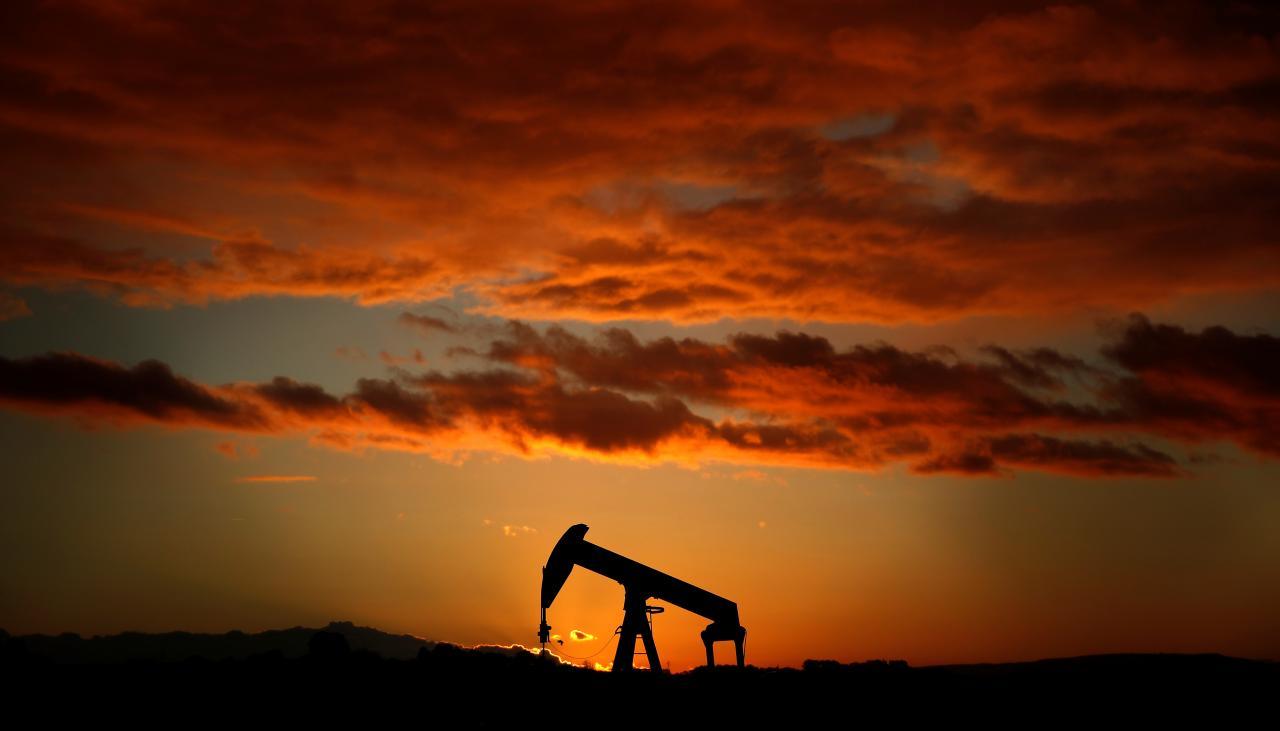 https: img.okeinfo.net content 2018 05 18 20 1899776 sulit-diprediksi-harga-minyak-mentah-indonesia-2019-ditetapkan-usd60-usd70-per-barel-3xXKnDeN2e.jpg