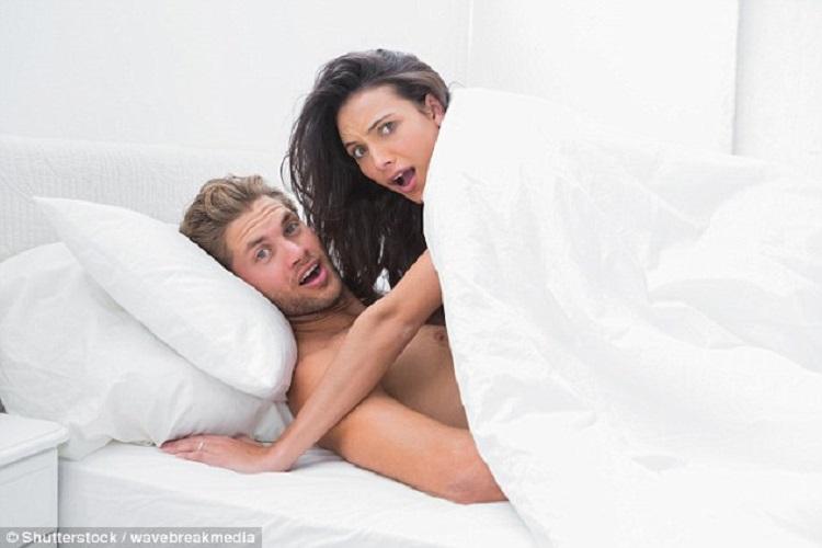 Tapi dia juga mudah mengalami orgasme secara alami, tanpa harus memalsukan. Sungguh menyenangkan!