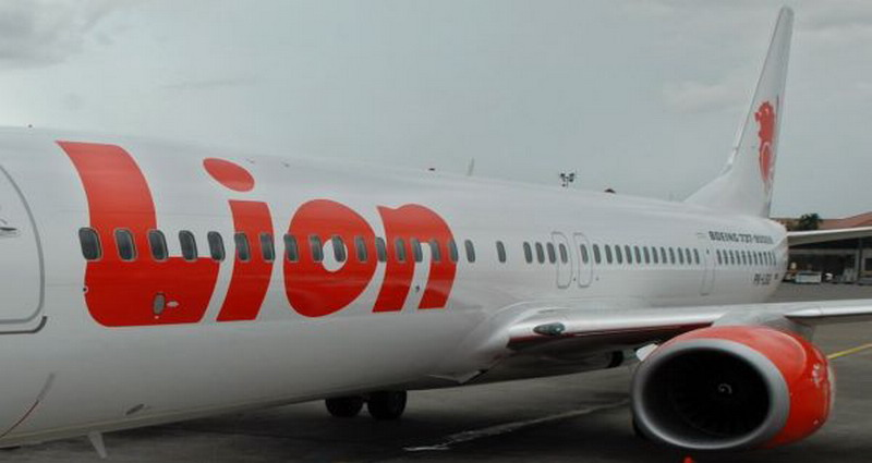 https: img.okeinfo.net content 2018 05 24 519 1902397 dua-kali-turun-mendadak-usai-terbang-penumpang-lion-air-minta-refund-Sz4YBIACvh.jpg